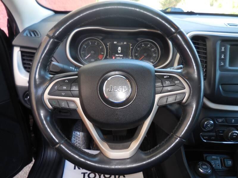 Jeep Cherokee 2015 price $9,750