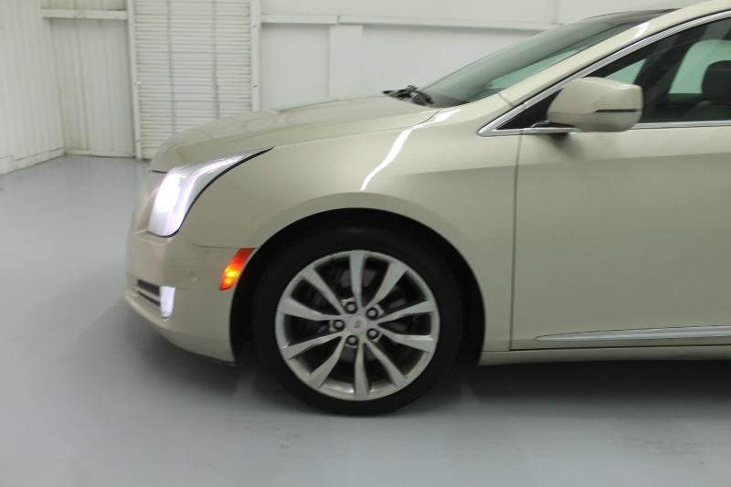 Cadillac XTS 2015 price $19,890