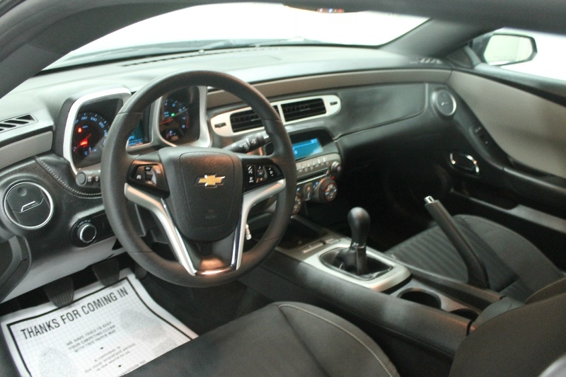 Chevrolet Camaro 2015 price $18,325