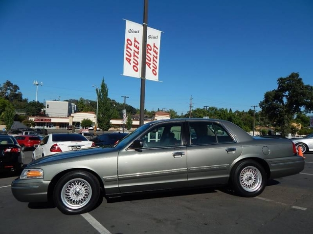 2000 Ford Crown Victoria Lx 4dr Sedan Direct Auto Outlet Llc