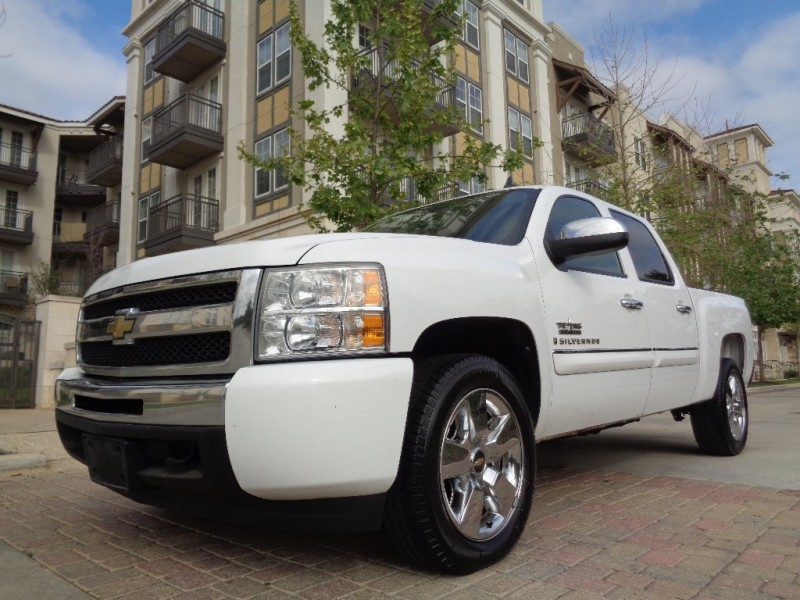 2009 chevrolet silverado 1500 2wd crew cab 143 5 lt for Showcase motors san antonio
