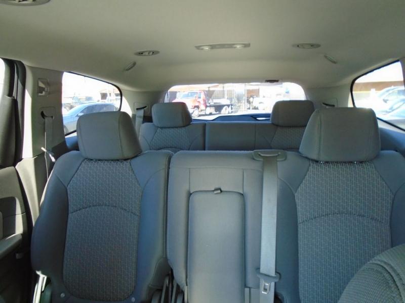CHEVROLET TRAVERSE 2010 price $8,900