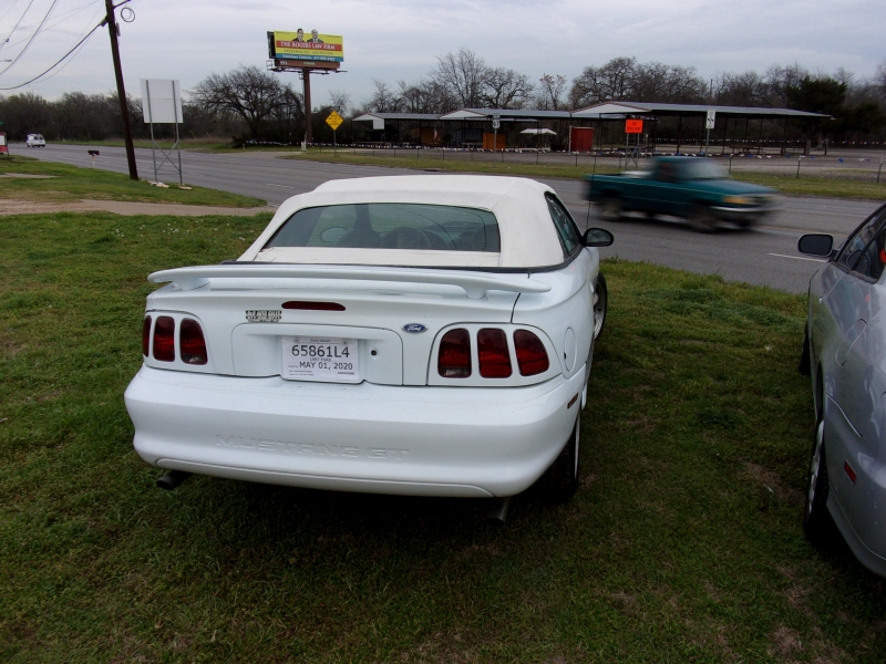 Ford Mustang 1997 price $4,995 Cash