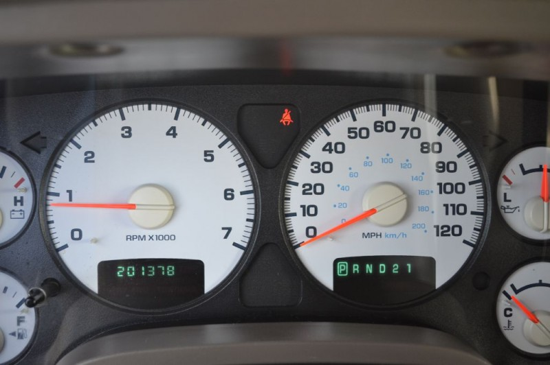 Dodge Ram 1500 2004 price $8,100