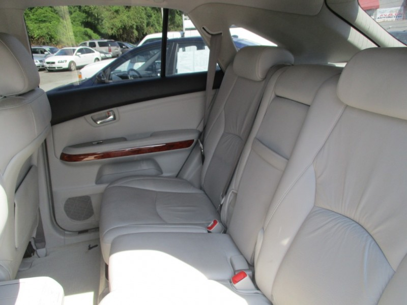 Lexus RX 330 2005 price $9,895