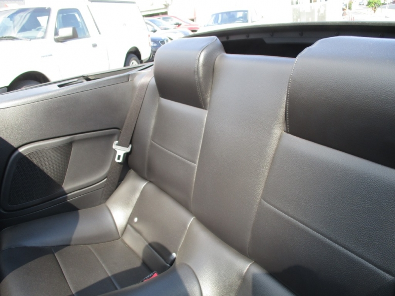 Ford Mustang 2005 price $5,195