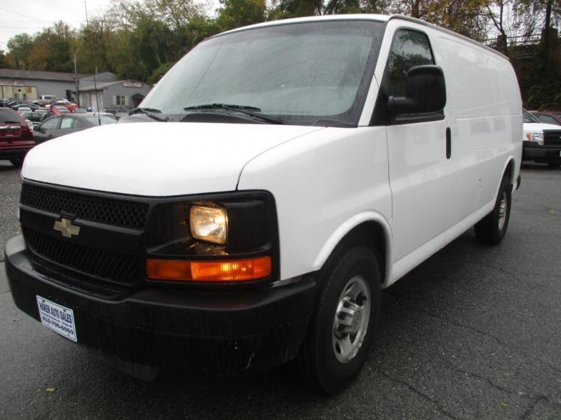 Chevrolet Express Cargo Van 2011 price $10,875