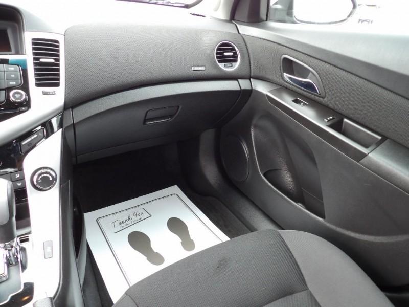 Chevrolet Cruze 2015 price $8,975