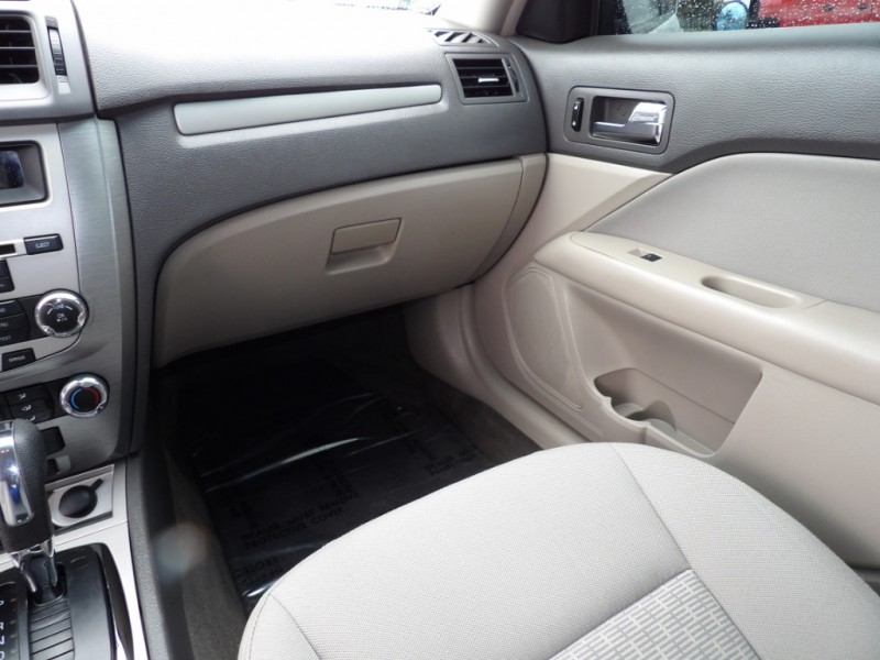 Ford Fusion 2010 price $7,377