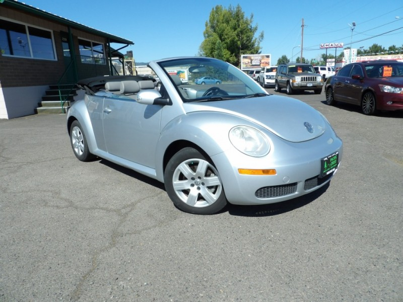 Volkswagen New Beetle Convertible 2007 price $7,475