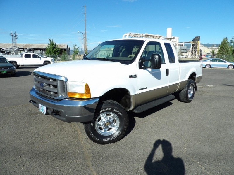 Ford Super Duty F-250 2001 price $12,675 Cash