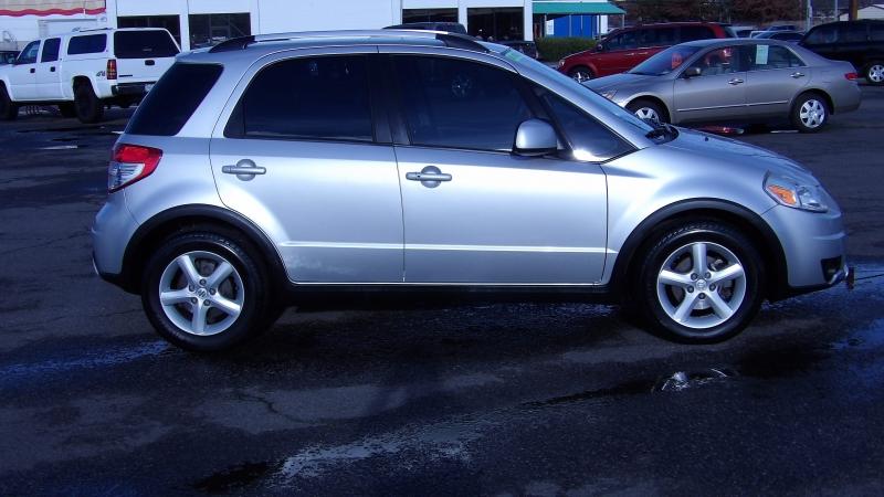Suzuki SX4 2007 price $4,875
