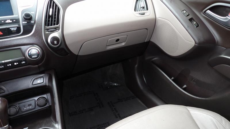 Hyundai Tucson 2014 price $10,877