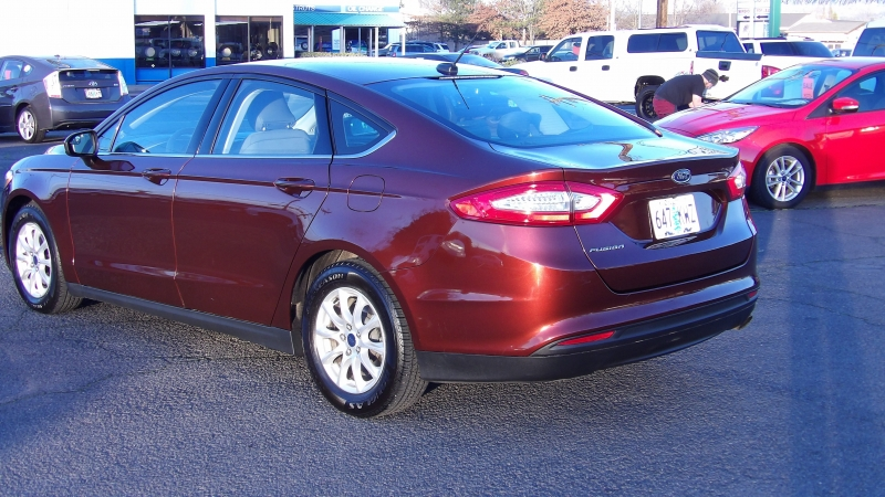 Ford Fusion 2016 price $11,888