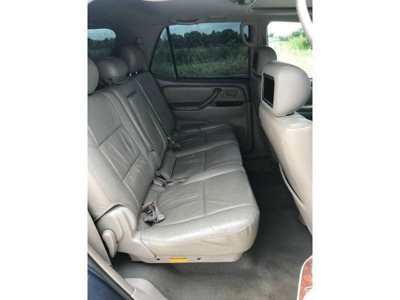 Toyota Sequoia 2005 price $4,995