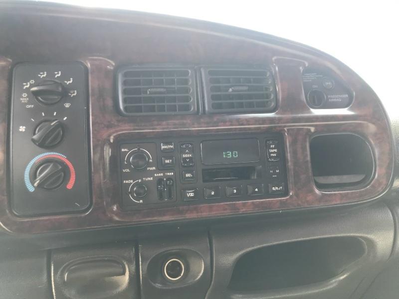 Dodge Ram BR3500 2001 price $9,995