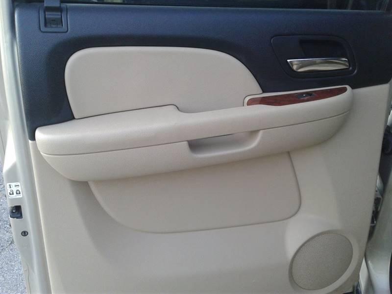 Chevrolet Suburban 2008 price $1,500
