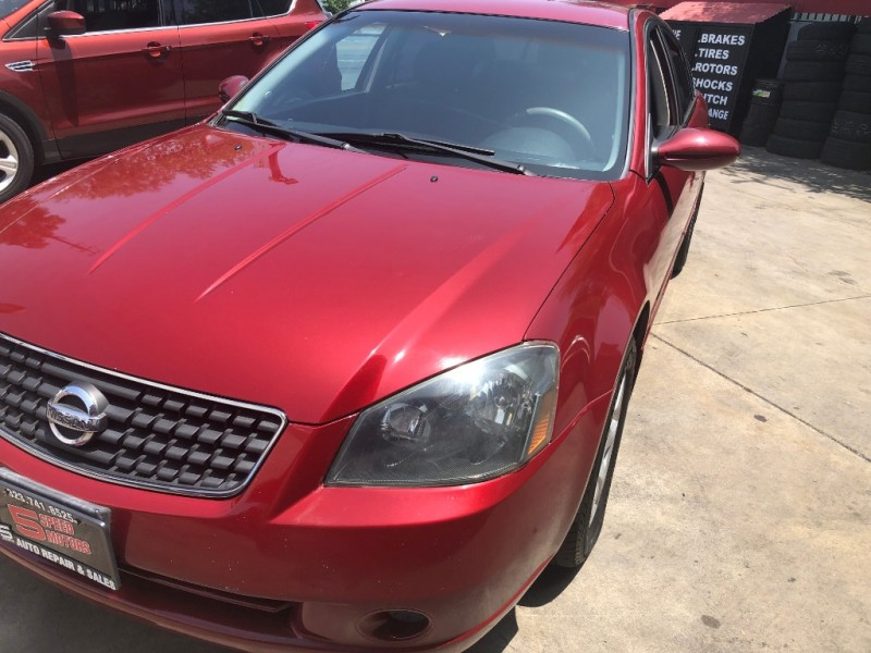 Nissan Altima 2006 price $2,800