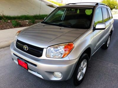 2005 Toyota RAV4 4dr