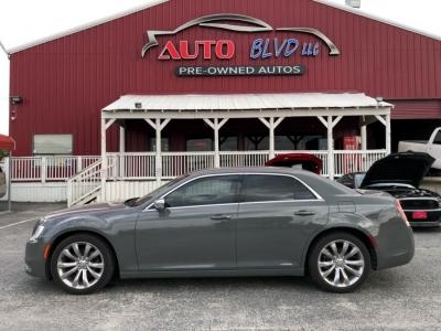 2017 Chrysler 300 Limited RWD