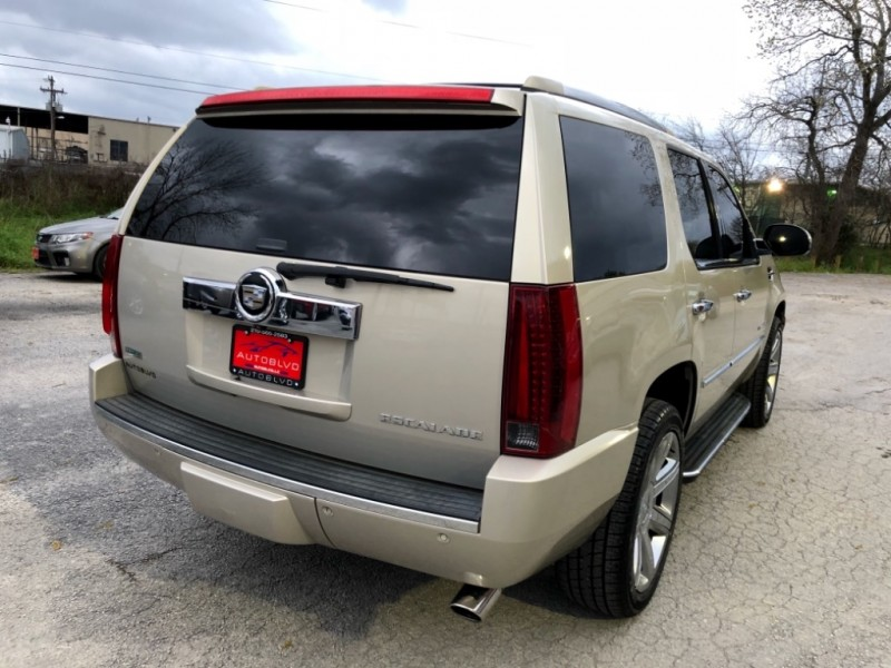 Cadillac Escalade 2011 price $19,997