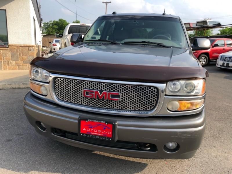 GMC Yukon Denali 2005 price $6,900