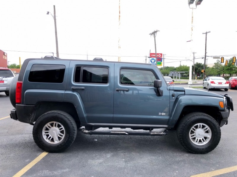 Hummer H3 2007 price $11,477