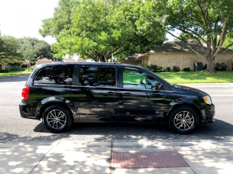 Dodge Grand Caravan 2017 price $14,500