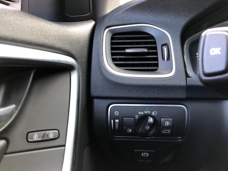 Volvo V60 2015 price $14,477