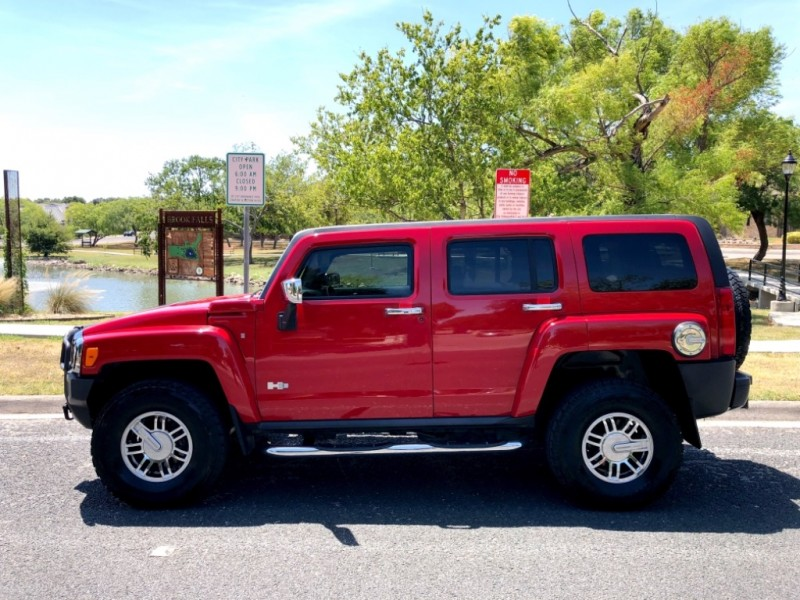 Hummer H3 2008 price $15,997