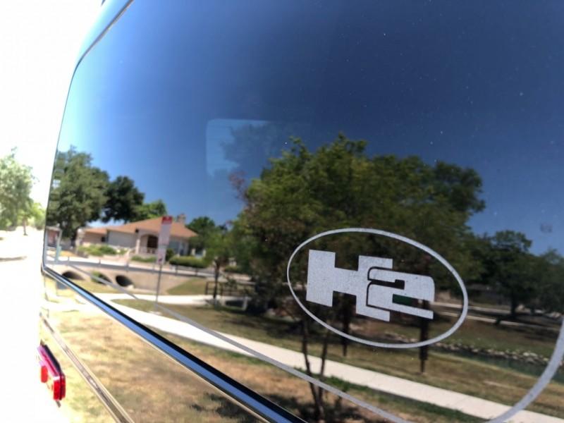 Hummer H2 2009 price $25,997