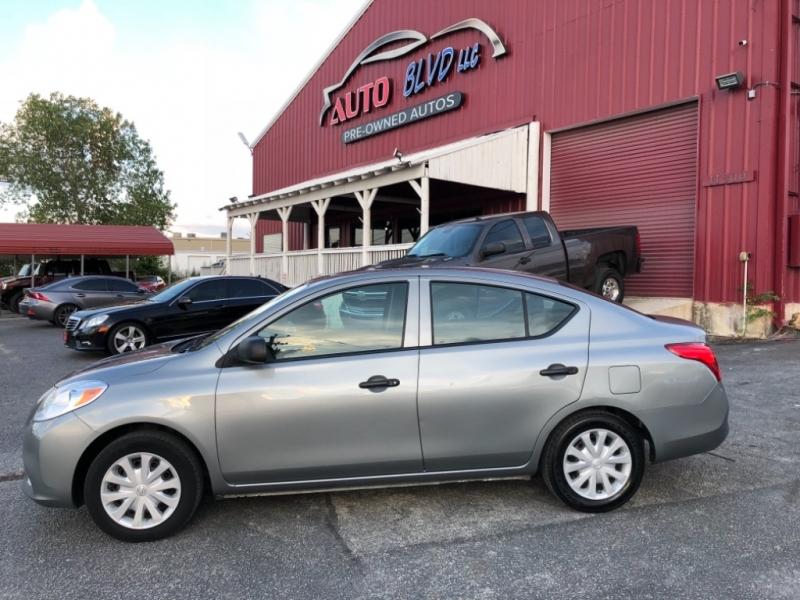 Nissan Versa 2014 price $5,900
