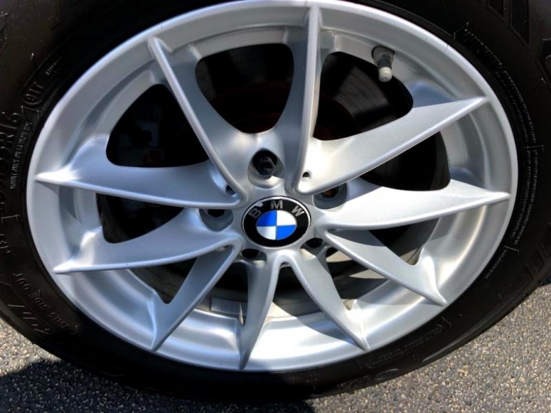 BMW 3-Series 2011 price $11,777