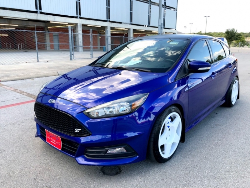 Ford Focus 2015 price $17,400