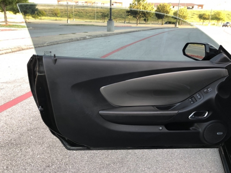 Chevrolet Camaro 2015 price $25,877