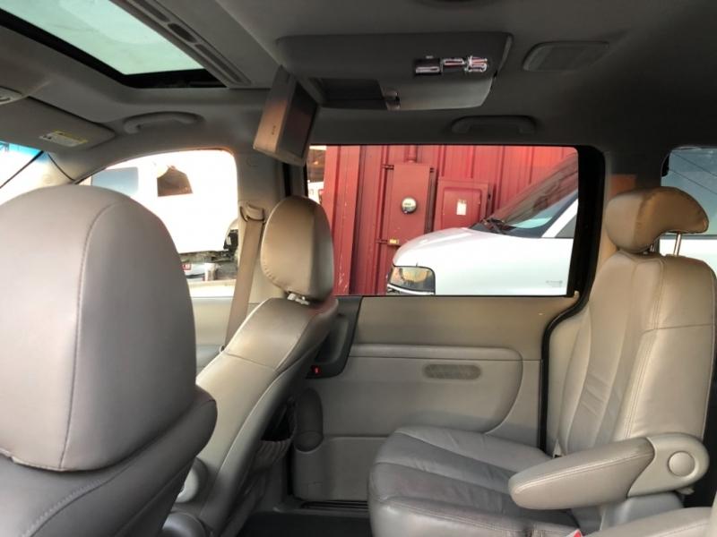 Kia Sedona 2008 price $3,750