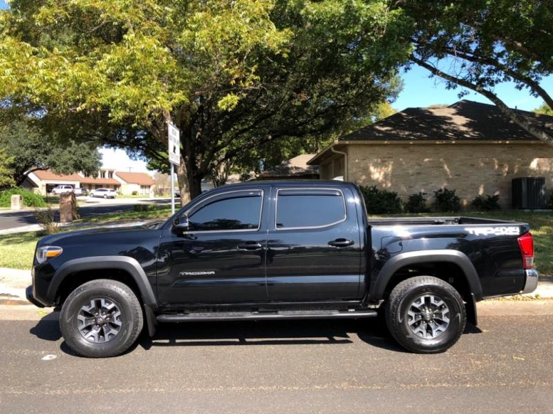 Toyota Tacoma 2016 price $29,700