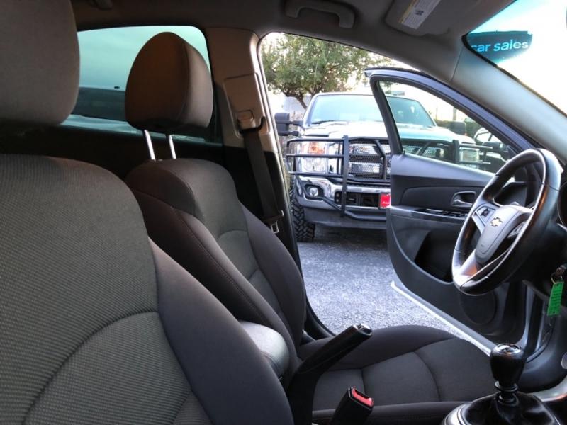 Chevrolet Cruze 2013 price $7,700