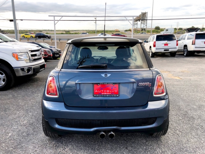 Mini Cooper Hardtop 2010 price $0
