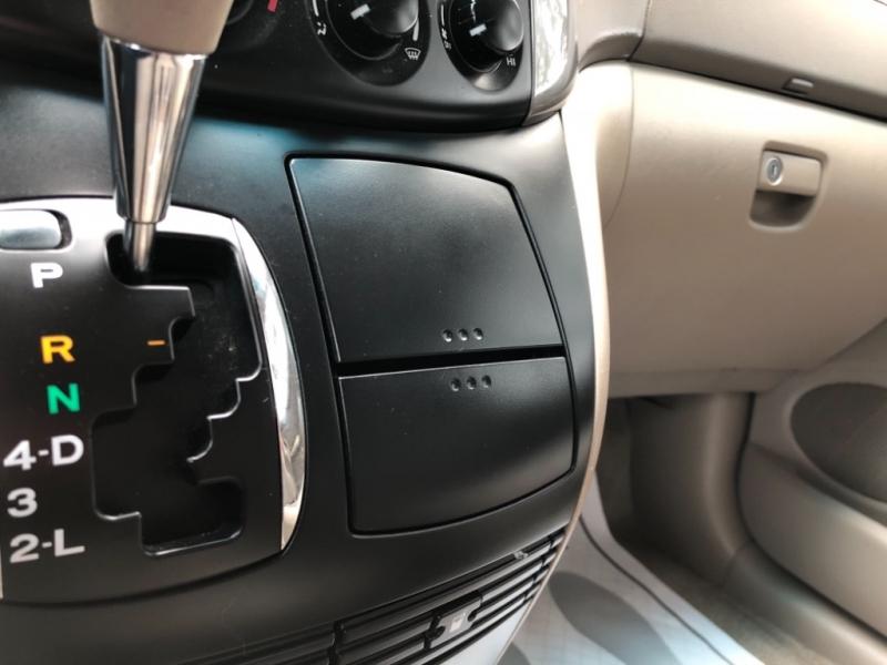 Toyota Sienna 2008 price $7,700