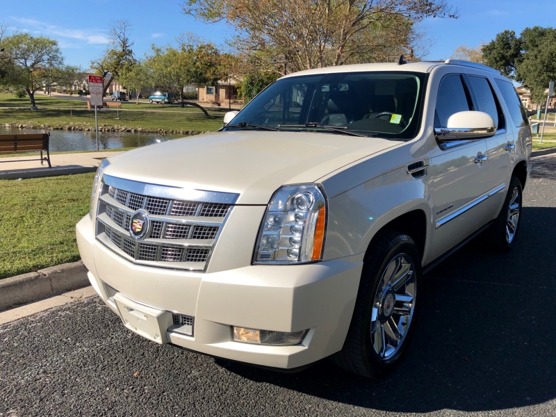 Cadillac Escalade 2014 price $23,997