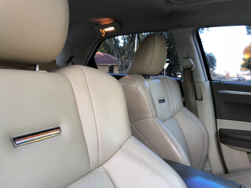 Chrysler 300 2009 price $9,900