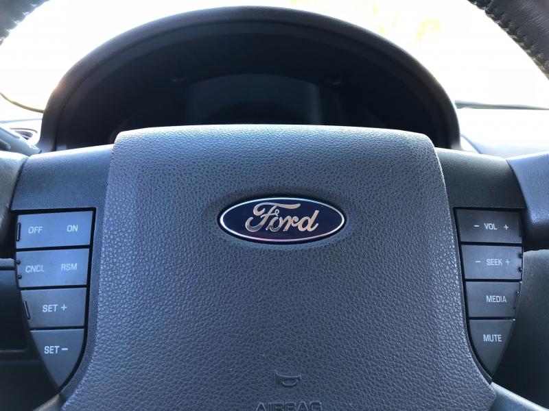 Ford Taurus 2009 price $4,900