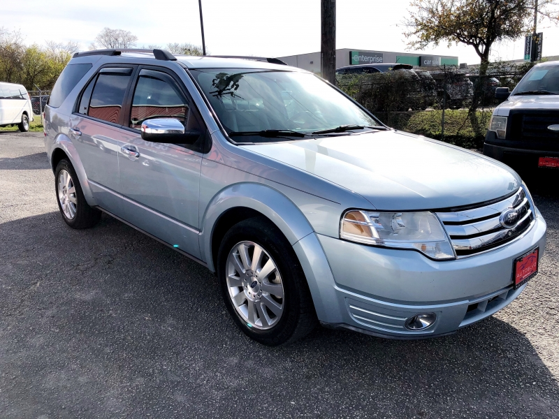 Ford Taurus X 2009 price $5,700