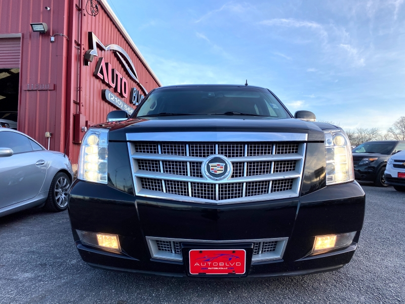 Cadillac Escalade 2013 price $21,997