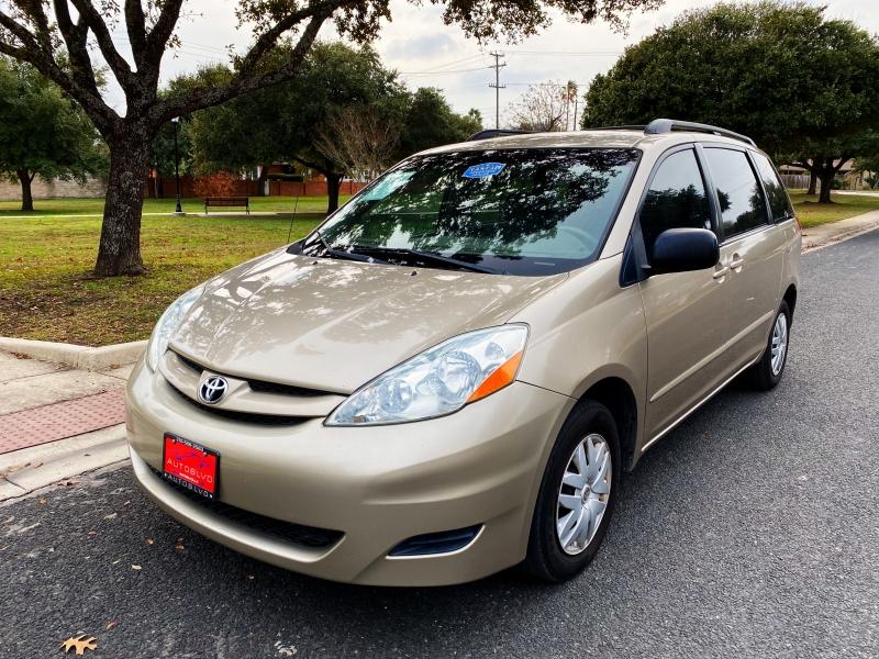 Toyota Sienna 2006 price $4,800