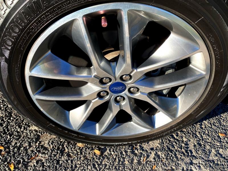 Ford Edge 2015 price $17,800
