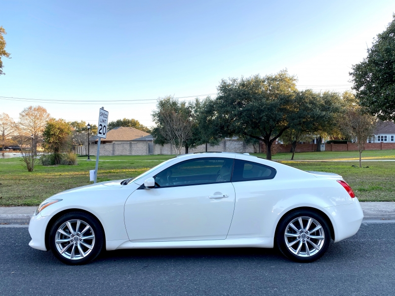 Infiniti G37 Coupe 2013 price $13,997