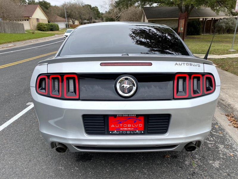 Ford Mustang 2013 price $9,888