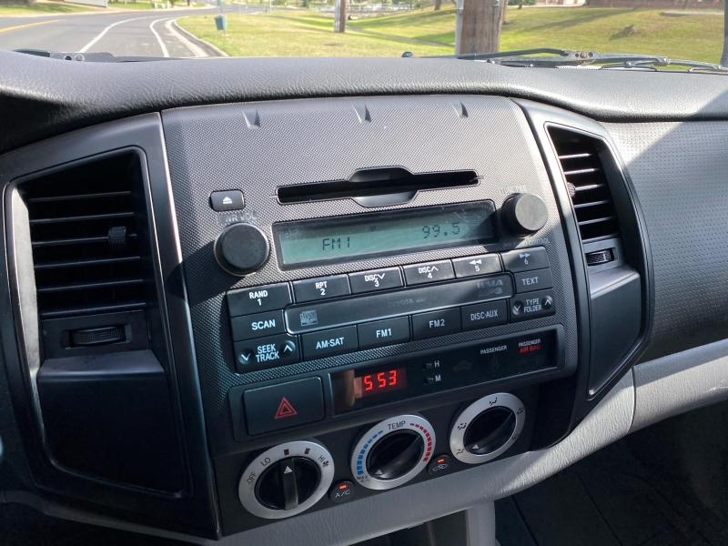 Toyota Tacoma 2010 price $10,300